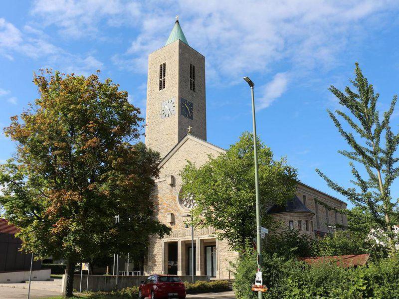 Katholische Kirche in Leonberg - Höfingen - Warmbronn